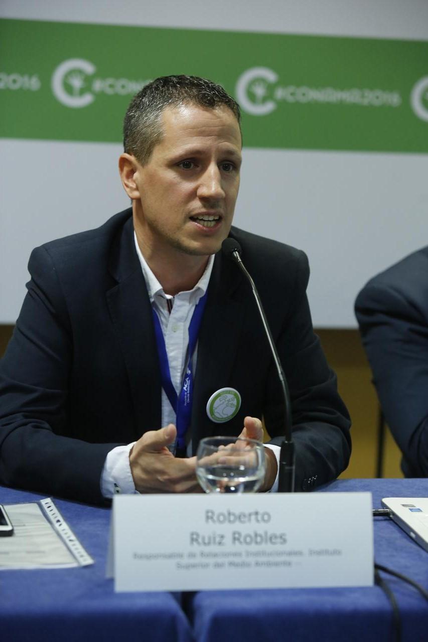 Roberto Ruíz Robles