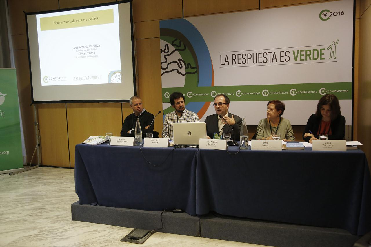 Mesa de ponentes