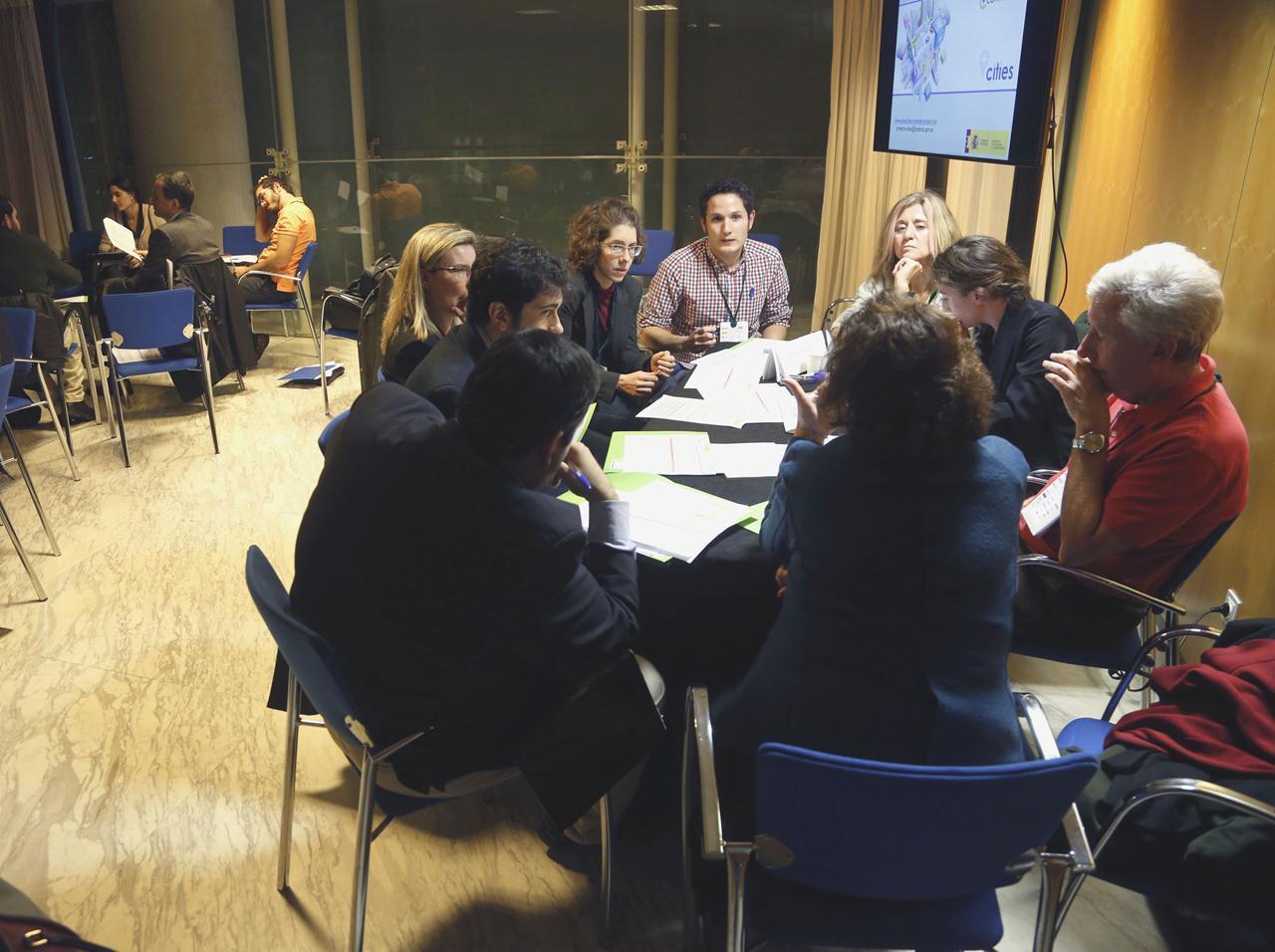 Sesión de trabajo en grupos